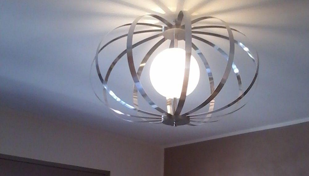 Prototype de lustre design dessiné par un architecte pour un h´tel