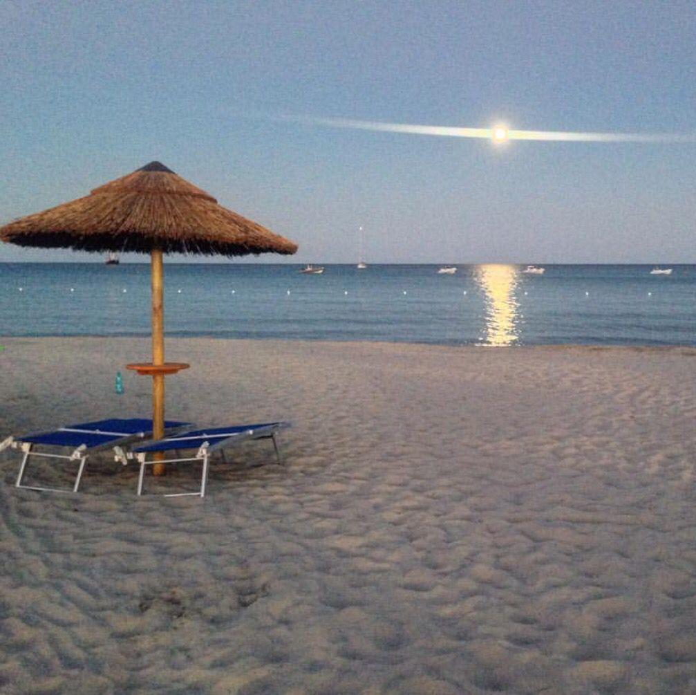 Sorge la luna sul mare di Villasimius!!