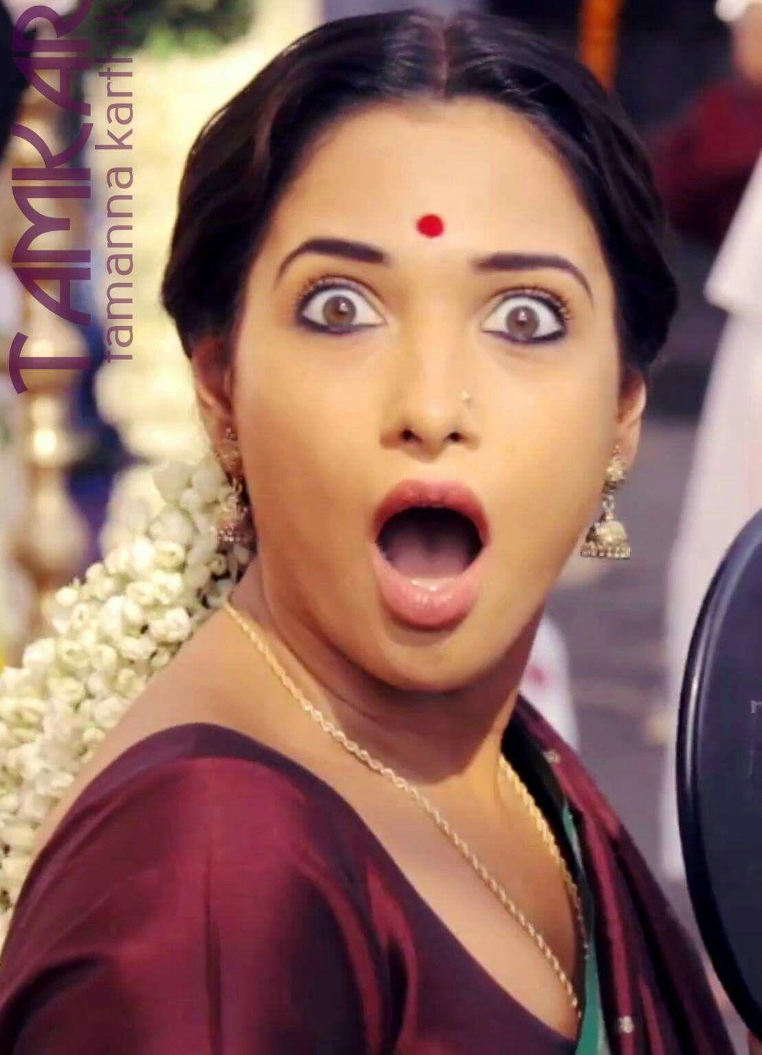 Kareena kapoor fake tongue