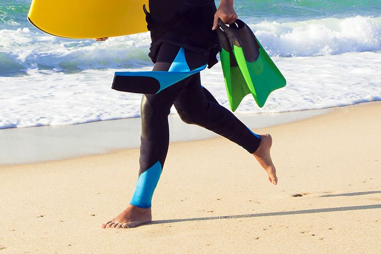 How to prevent swim fins from giving you foot friction