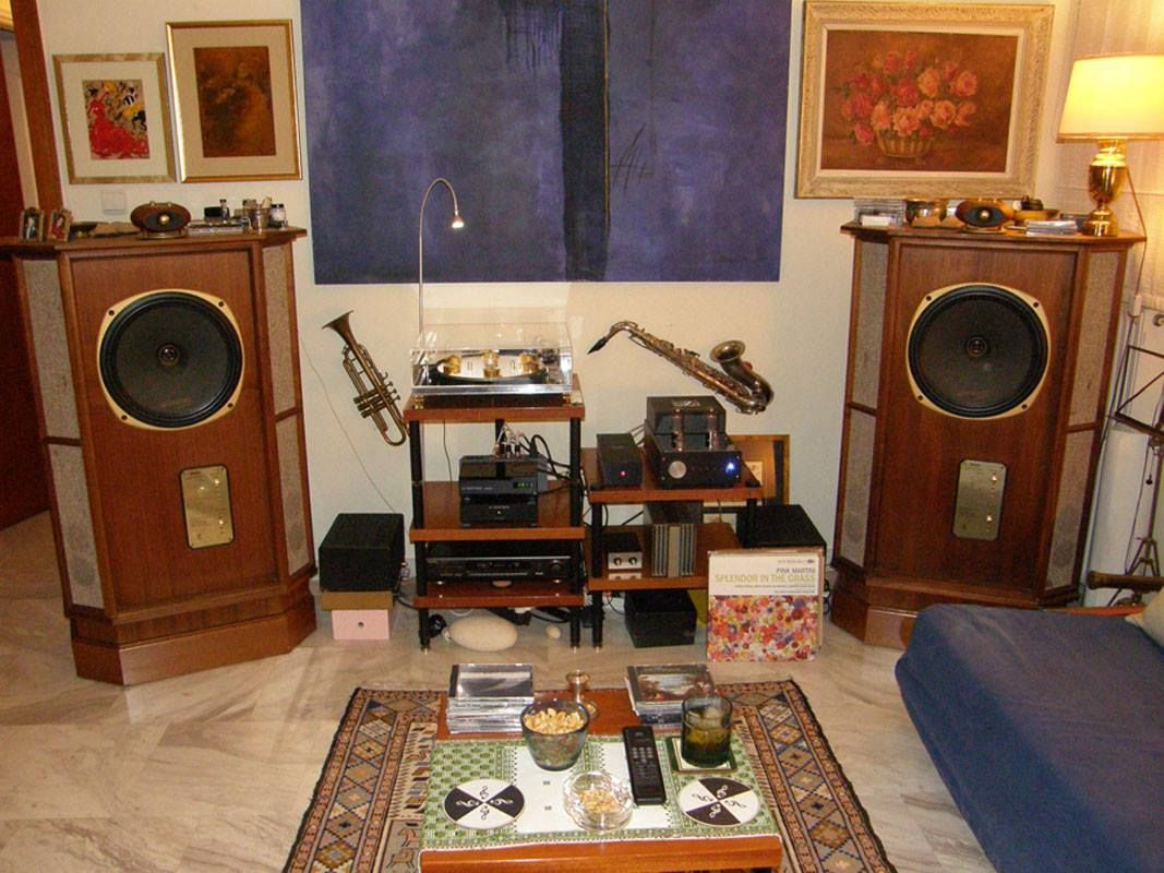 Nice Speakers For Room Very Nice Vintage Setup With Tannoy Speakers Everything Tannoy