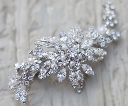 667fd76f5 Discover ideas about Vintage Hair Combs. Vintage Rhinestone Flower Bridal  ...