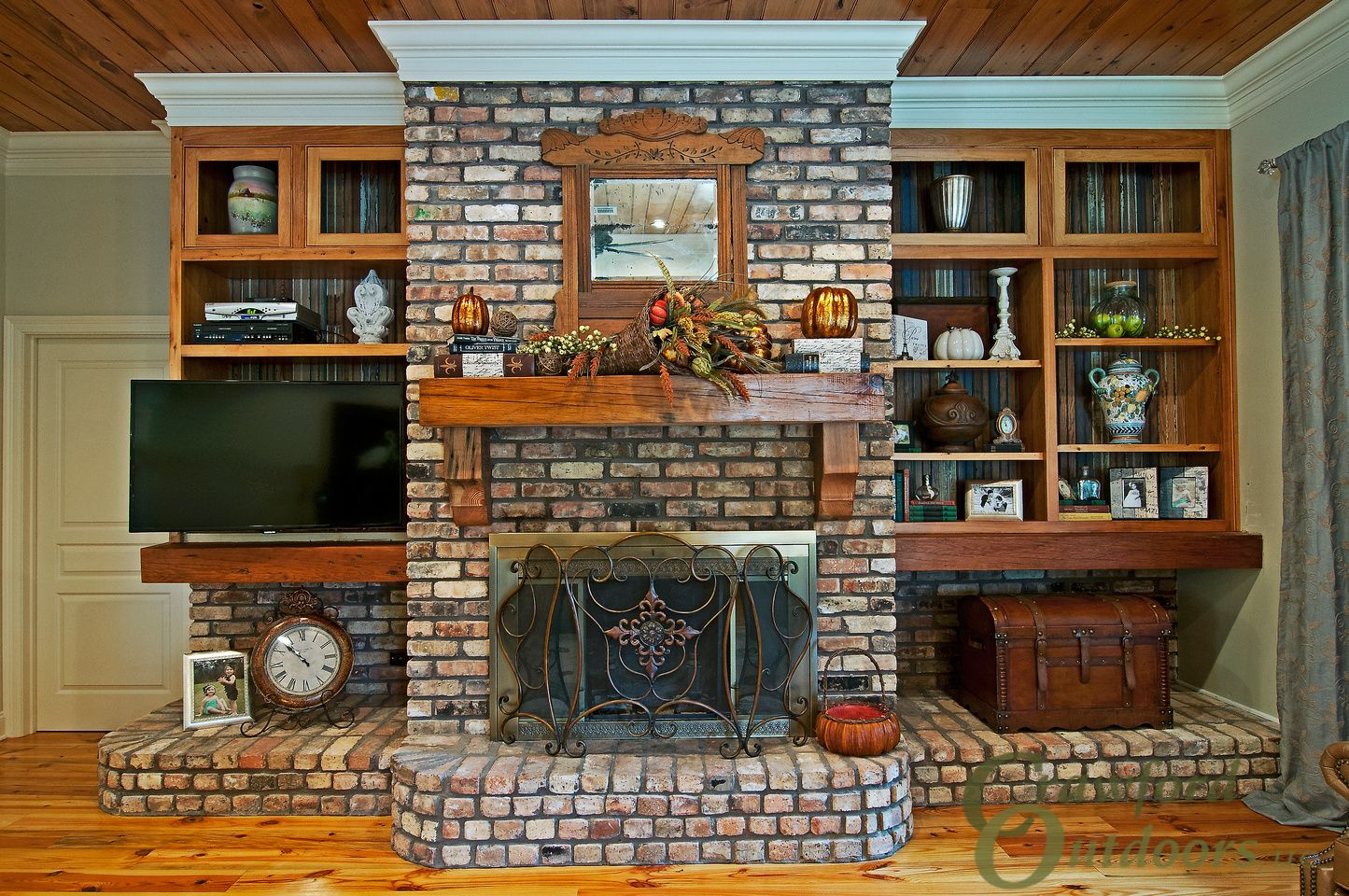 Couchtisch Holmes Alysha Holmes Remodeling Living Room Fireplace Book Shelves