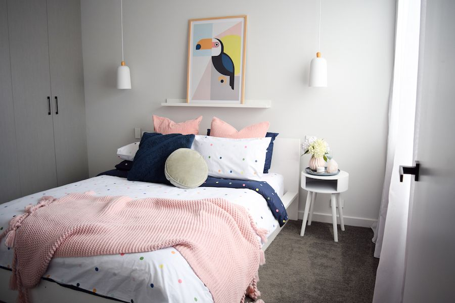 Happy and fun bedroom styling Polka dot bedding and Bedrooms - tapeten fürs schlafzimmer