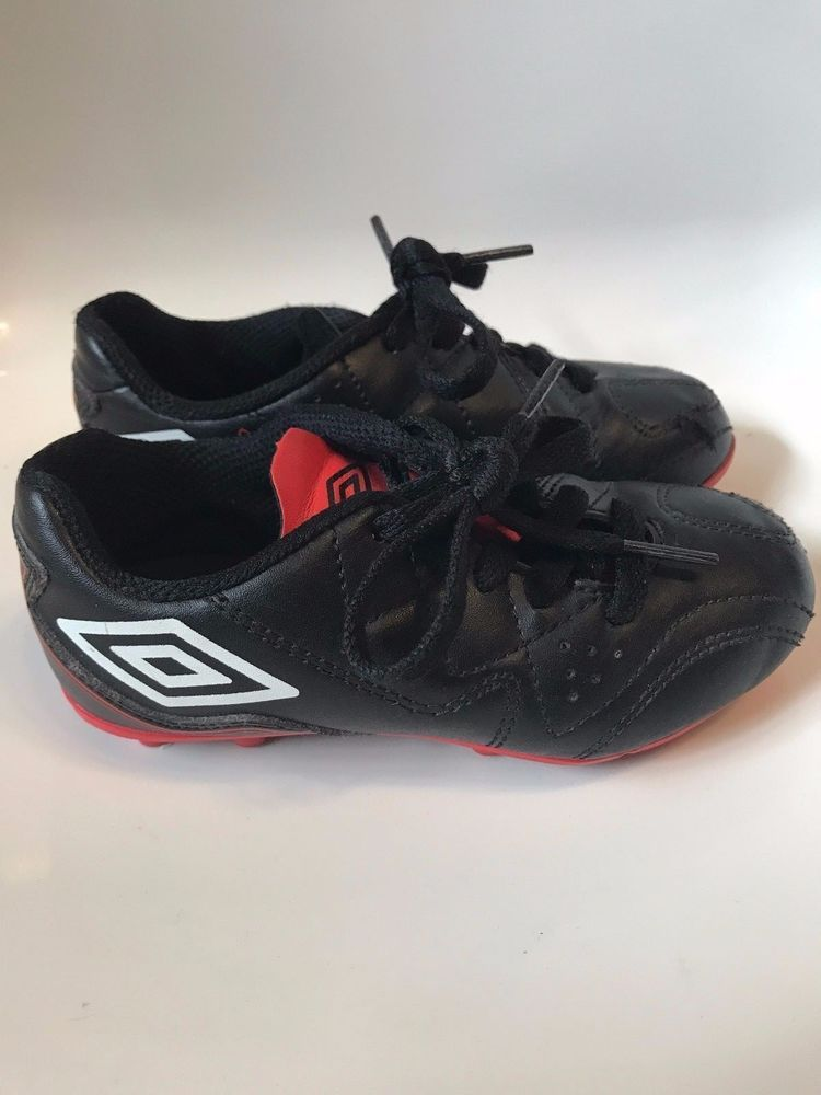 separation shoes f3d13 fc762 Umbro Soccer Football Kids Shoes Citadel size US 10 Youth Cleats for Child  Umbro