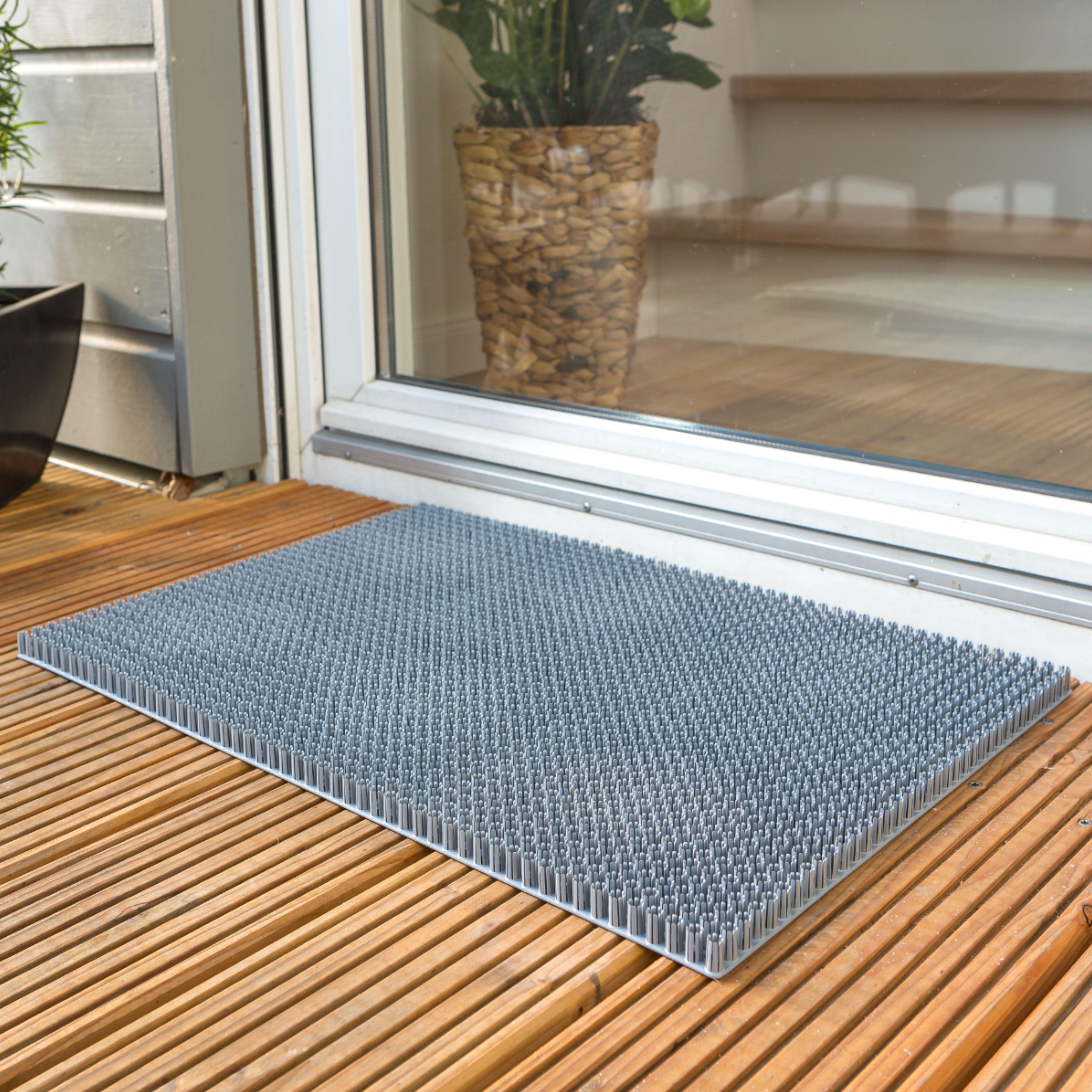 tapis d exterieur grattant pour retenir toute la salete des chaussures en 2021 tapis exterieur tapis paillassons
