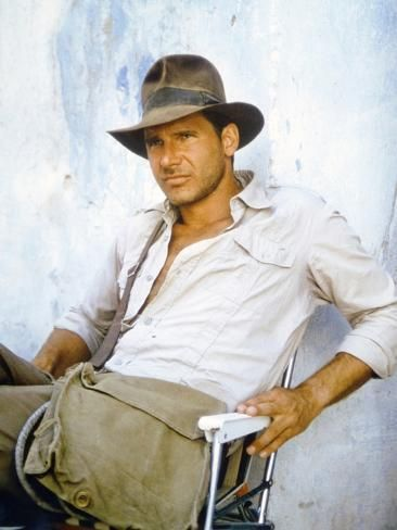 Raiders Of The Lost Ark 1981 On The Set Harrison Ford Photo Photo Art Com Harrison Ford Indiana Jones Harrison Ford Indiana Jones