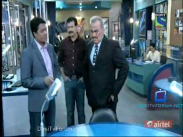 CID - Episode 1023 - 30th November 2013 - Video Zindoro http://www.zindoro.com/video/2013/11/30/cid-episode-1023-30th-november-2013/