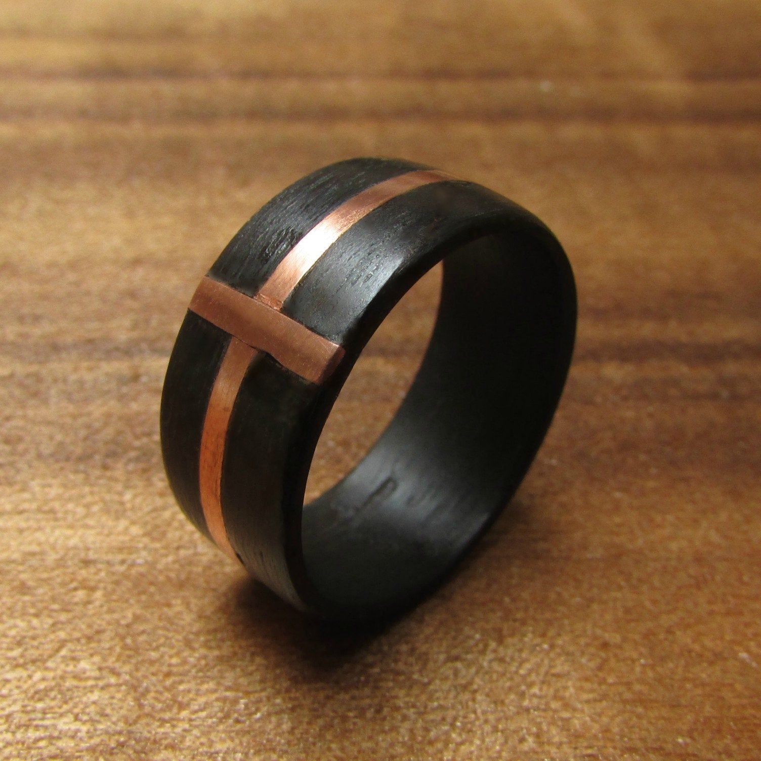 Black eucalyptus wood and copper cross ring natural