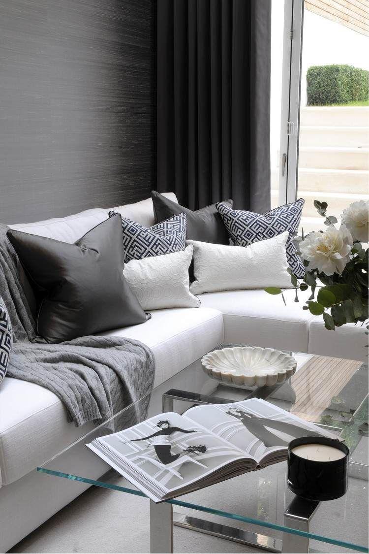 Wohnzimmer modern gestalten – Kalte oder warme Töne?  Kissen sofa