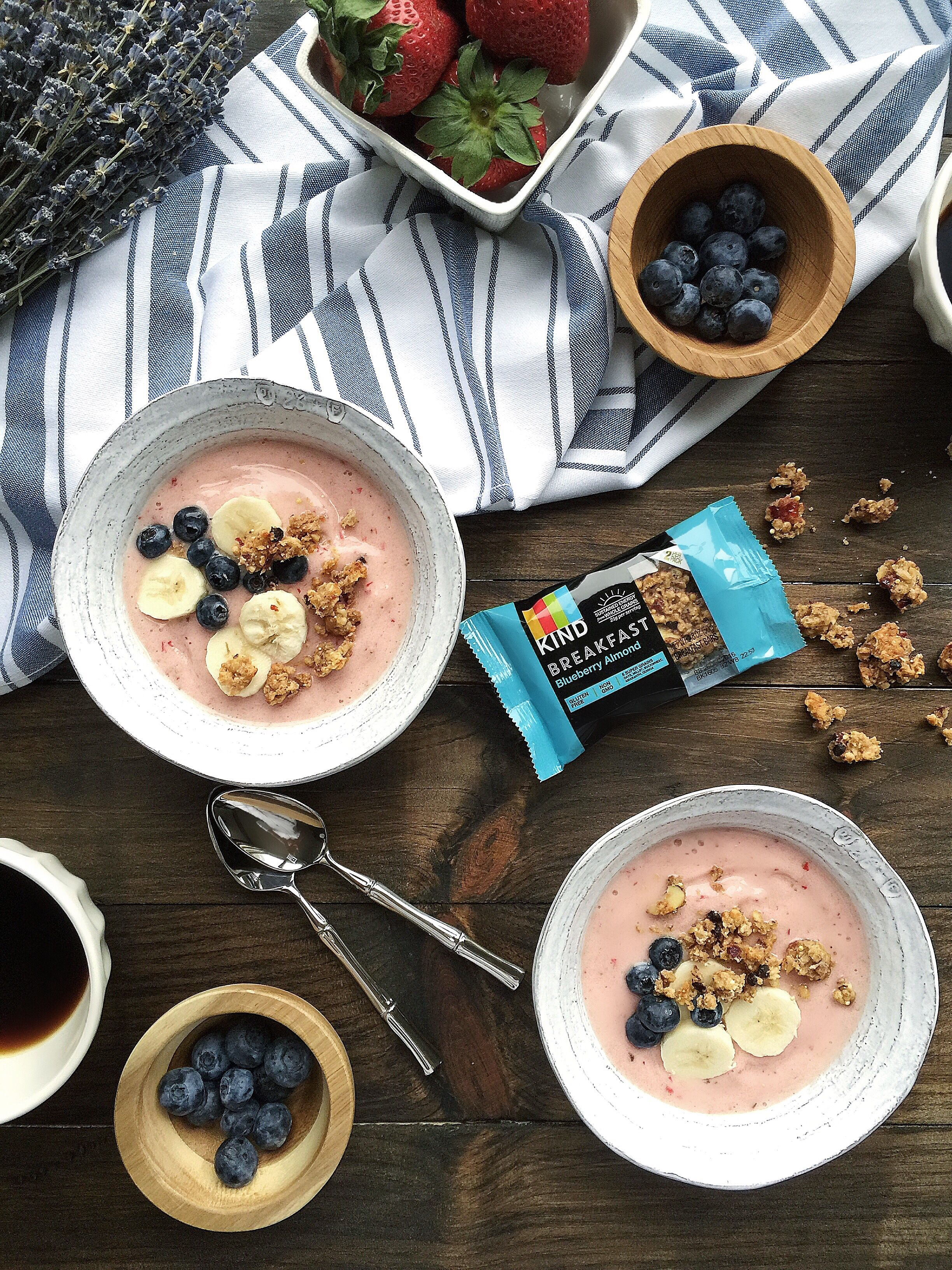 """""""Sharing one of my fave smoothie bowl breakfasts topped with crumbles from my KIND Blueberry Almond breakfast bar,.."""" @carissa_burton"""