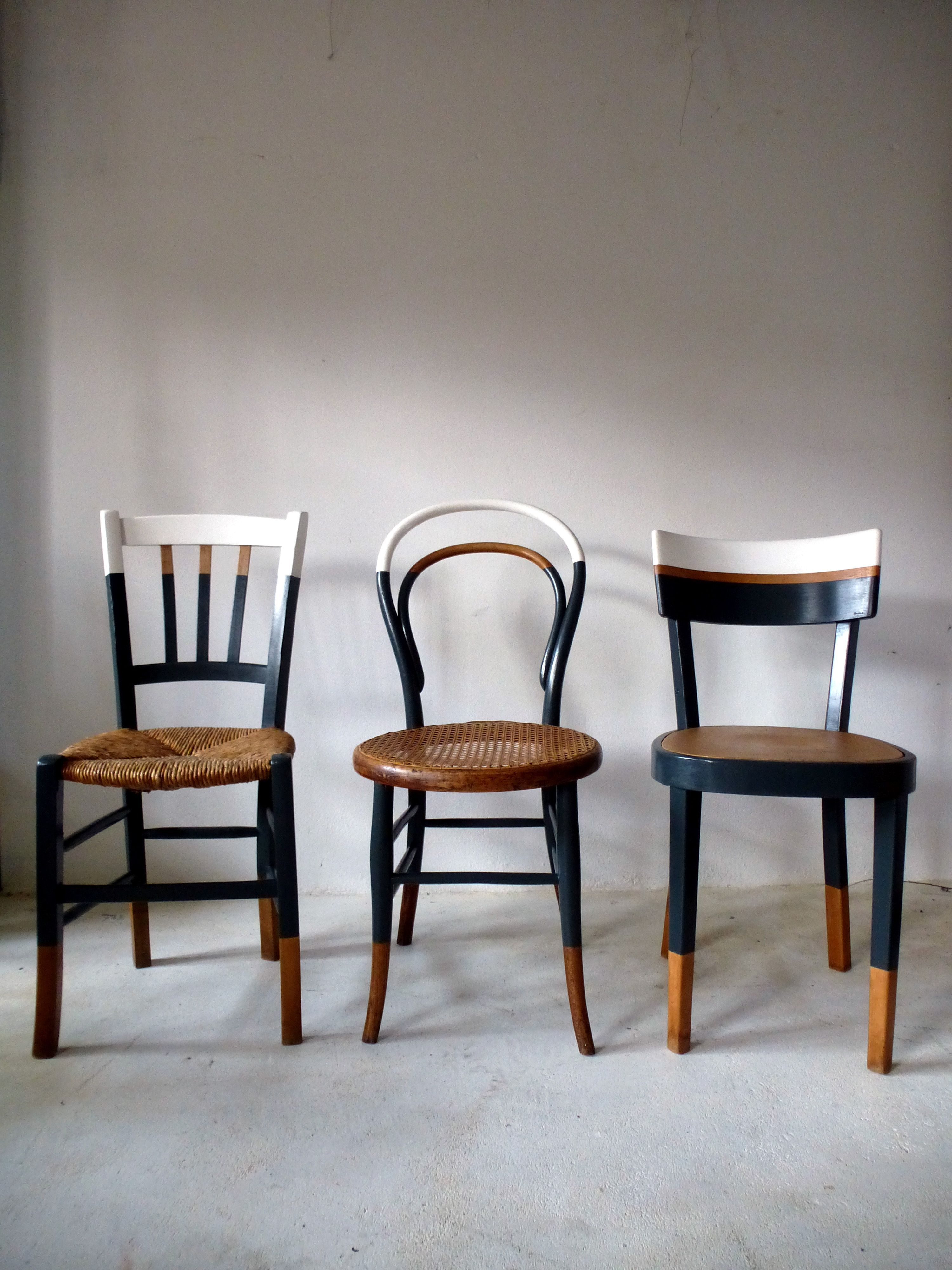 Ensemble De 6 Chaises Anciennes Depareillees Vintage Cuisine Bistrot Reloo In 2020 Vintage Chairs Furniture Makeover Trendy Furniture