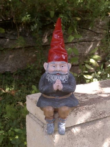 Praying Solar Garden Gnome | GardenFun