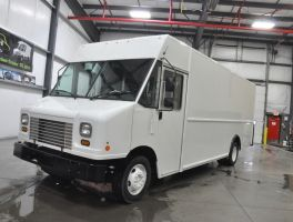 Ford E 450 Utilimaster 18 P 1000 For Sale At Work Truck Direct Work Truck Ford Transit Trucks For Sale