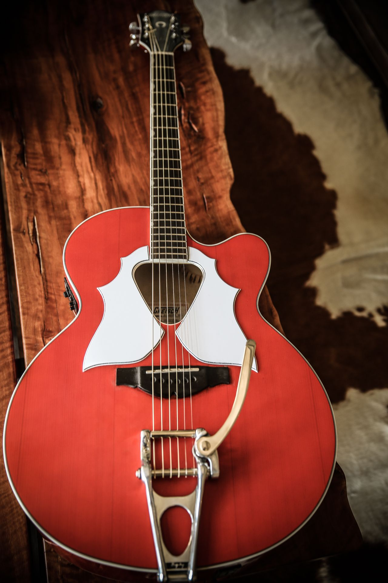 Gretsch Mod I Did On My Jumbo Acoustic This Is A Really Fantastic Sounding Guitar With These Changes Bigsby And Custom Pickguard Gretsch Guitar Learn Guitar