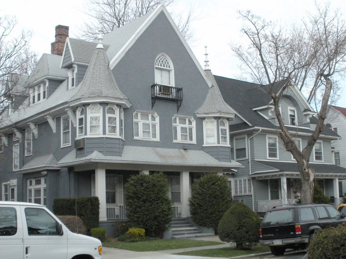 What A Beautiful House Light Grey Roof Color Siding Google Search