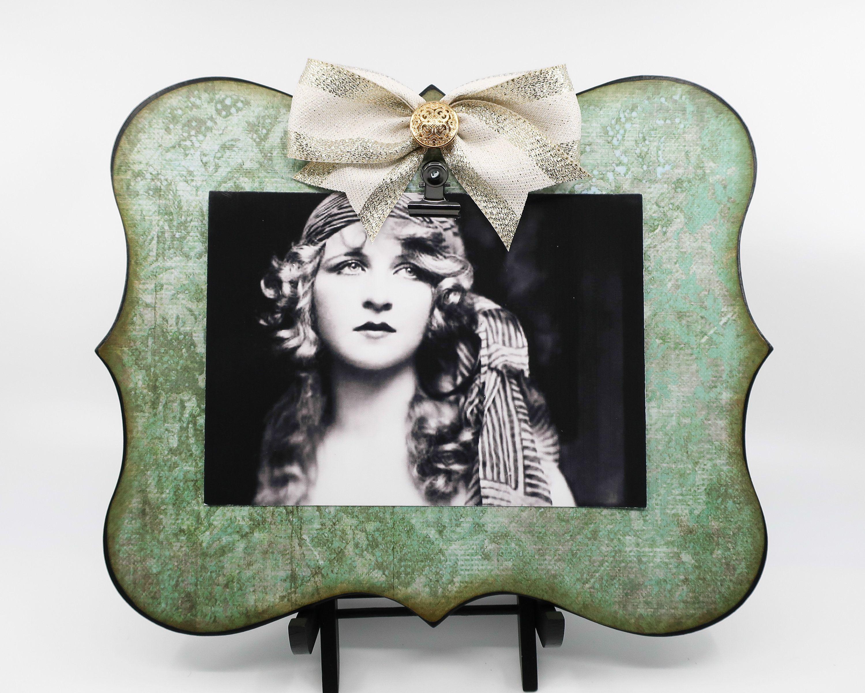 Vintage Old Fashioned Wallpaper Look Teal Clip Board Frame