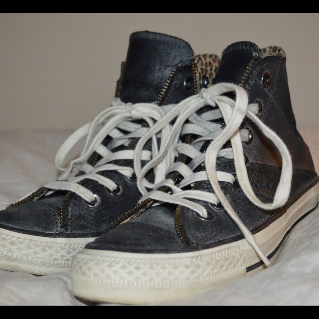 cc0027fa5f4d 1 Hour Sale 100% Real Leather Converse