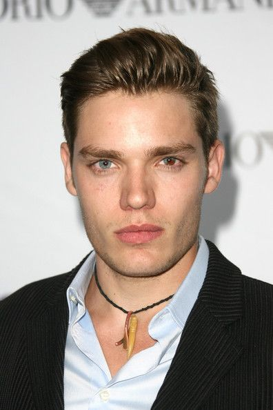 dominic sherwood gif hunt tumblr