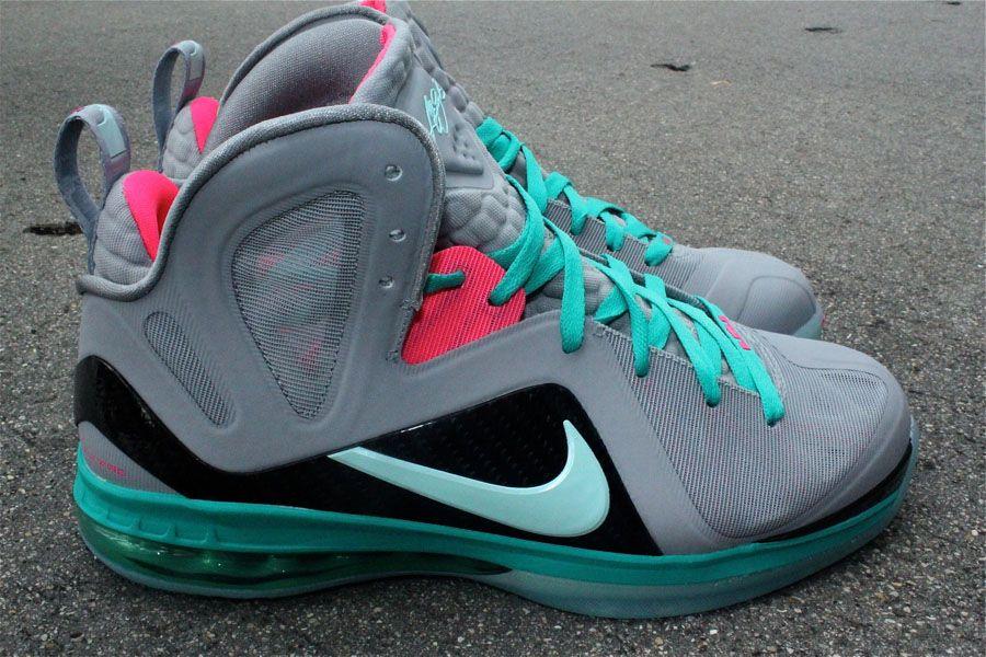 Nike LeBron 9 P.S. Elite Miami Vice