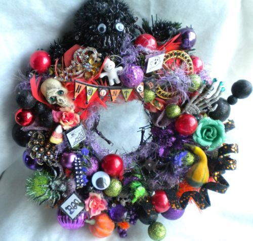 Halloween-Decoration-Wreath-Vintage-Shiny-Brite-Ornaments-Jewelry-Brooch-Lighted