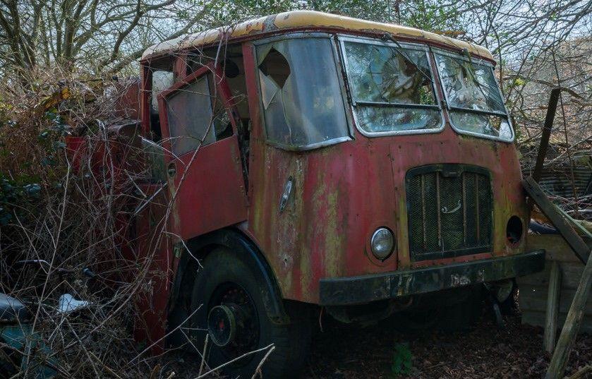 RN THORNEYCROFT Abandoned cars, Old trucks, Abandoned