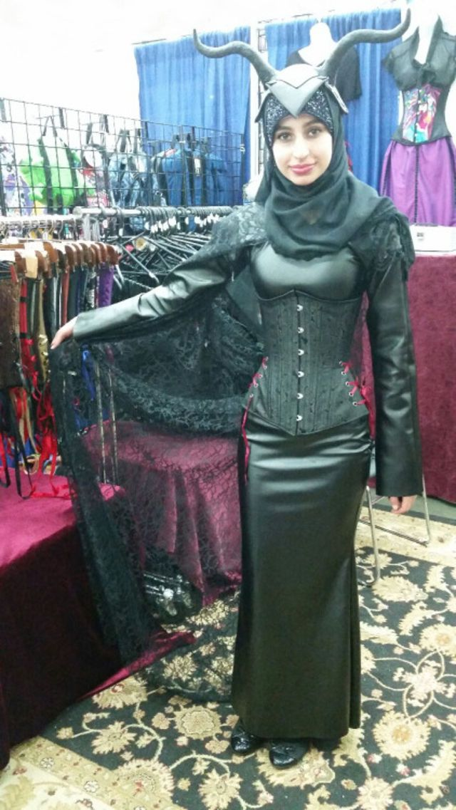 8 Hijabi Cosplayers Who Know Just How to Put Together the ...