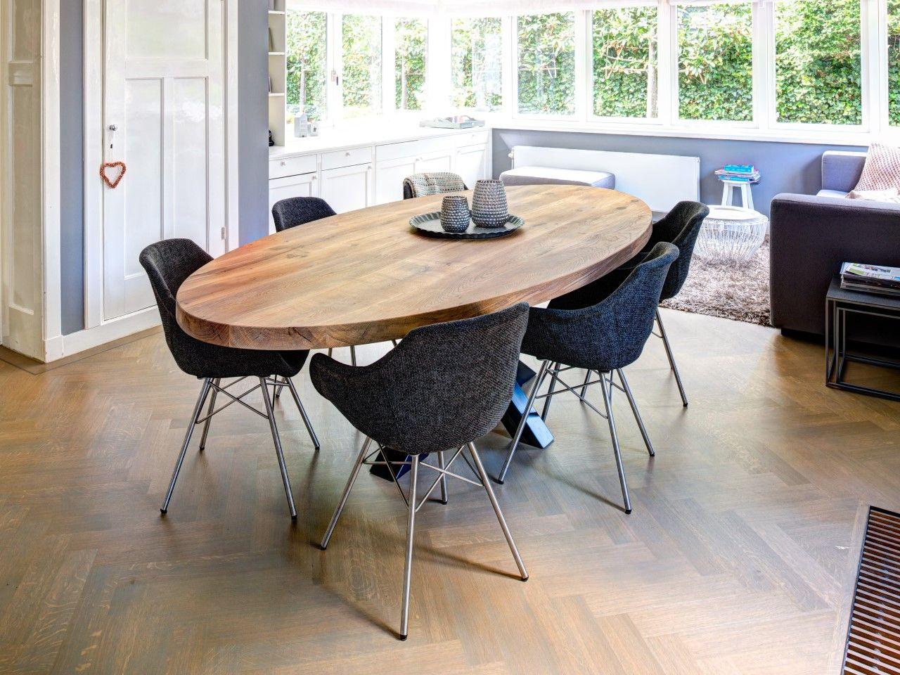 Zwaartafelen i wat een mooie set i massief eiken ovale tafel met