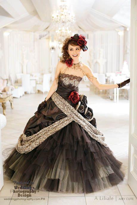 Beyond Kimono: 38 Modern Kawaii Japanese Wedding Dress Inspiration ...
