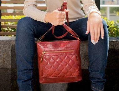 12bf3e192 Bolsa Tiracolo de couro legítimo Karen vermelha - Enluaze | Bolsas e  acessórios de couro