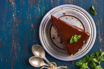 La ricetta di Detto Fatto del 31 gennaio è un dolce: si tratta di una crostata cremosa, cioè l'aranciosa di Alessandro Servida