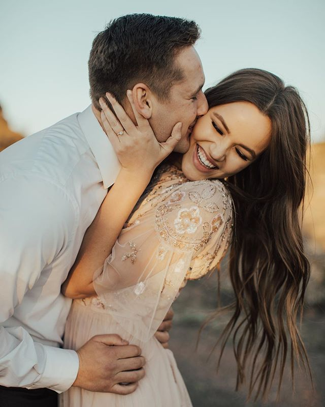37 Romantic and Sweet Engagement Photo Ideas to Copy – Amaze Paperie – Casual Couples Sessions | Erin Marton Photography | California Engagement Photographer