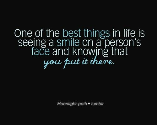 Put A Smile On Someone S Face Very Best Quotes Self Esteem Quotes Me Quotes