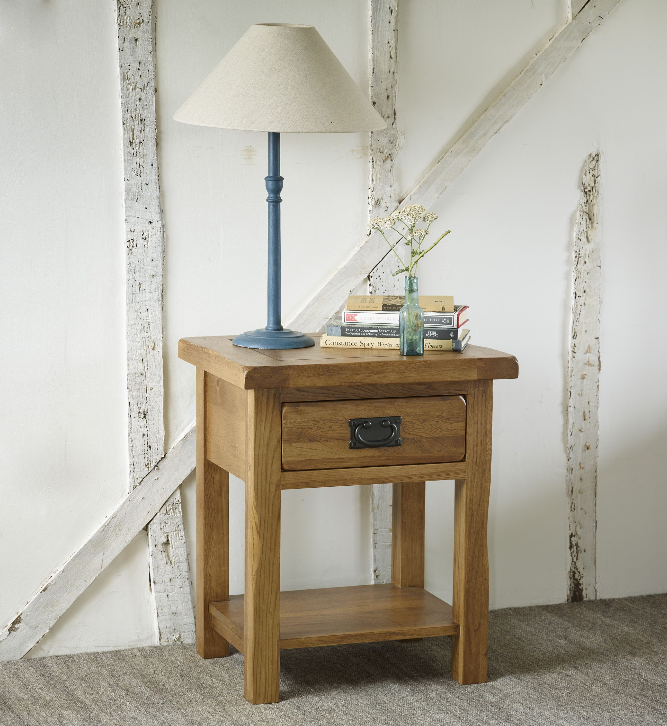 Superbe The Original Rustic Solid Oak Nightstand Is A Beautifully Crafted Piece Of Classic  Oak Furniture.