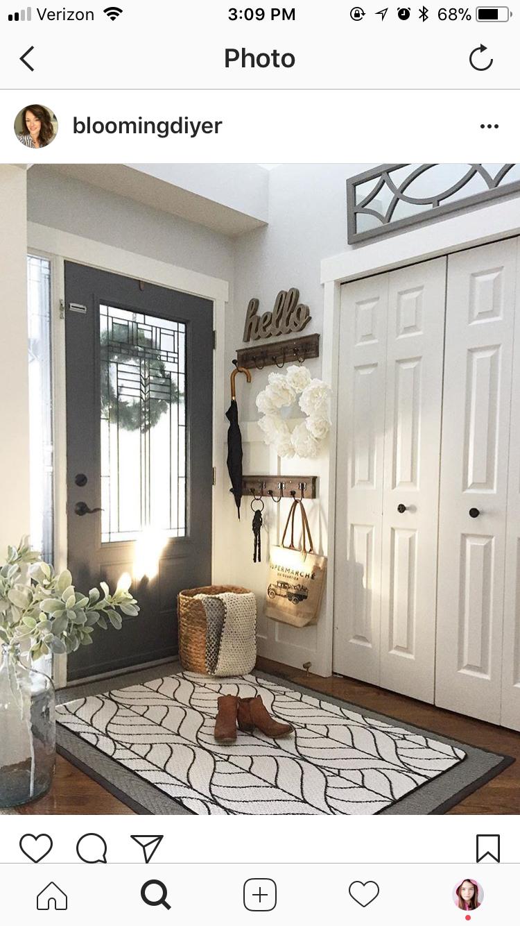 Like Hello Sign Wooden Hooks Behind Front Door Entrance Rug
