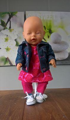 Spijkerjack met roze overgooier Nr 4383 Vera Poppenmode