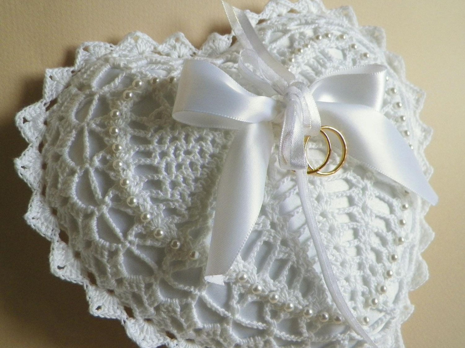 White Heart Shaped Crocheted Lace Ring Bearer Pillow | Vintage ...