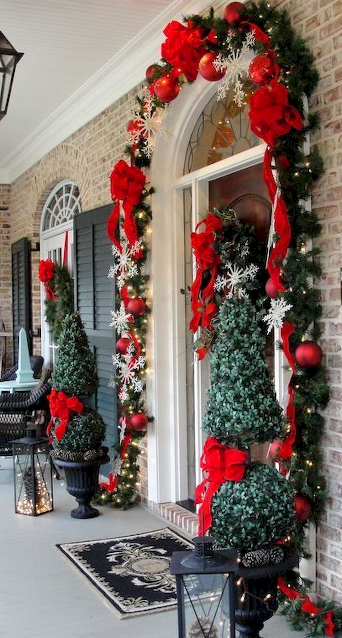 Nice 50 Front Porches Farmhouse Christmas Decorations Ideas Httpsroomadnesscom