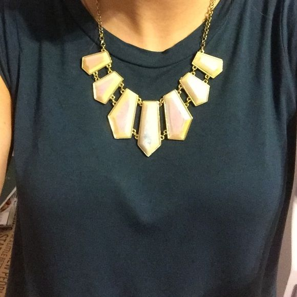 Statement necklace Very pretty necklace! Jewelry Necklaces