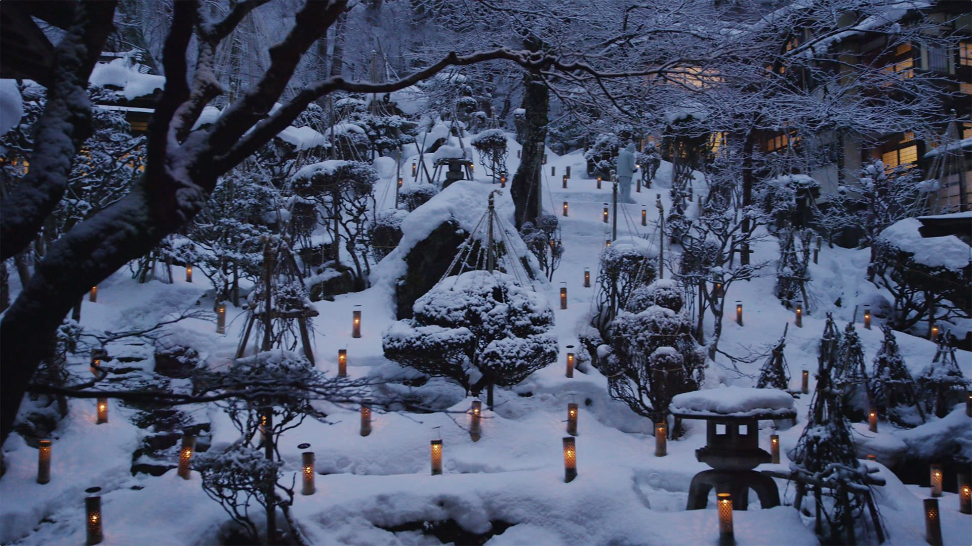 Snow-watching Candles of Mukaitaki - 向瀧の雪見ろうそく