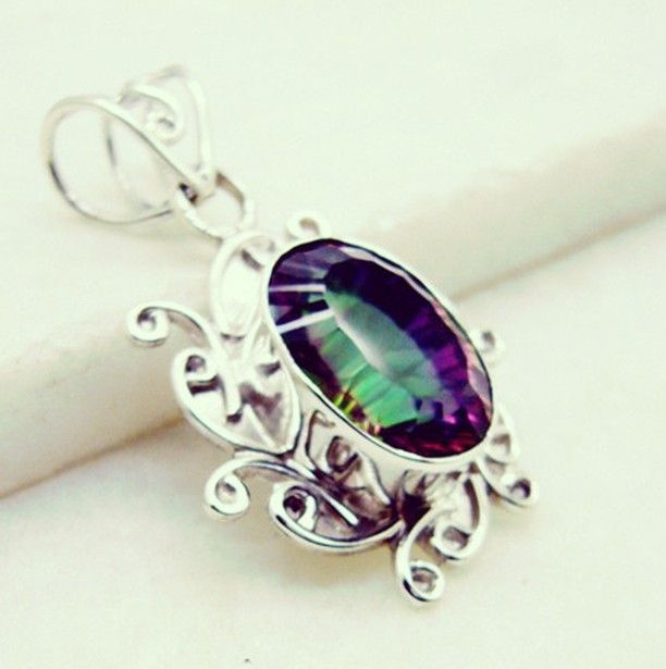 #like #inspiration #15likes #오사카 #weekend #weddingaccessories #floralpendant #pendant #silver #gemstone #quartz #mystic #handmade #gems #jewelry #riyo #jualaplikasi #makeupartist #925silver