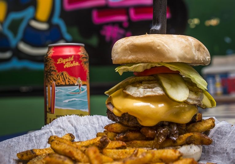 Best Local Burger Graffiti Junktion The 2017 Of Orlando Magazine