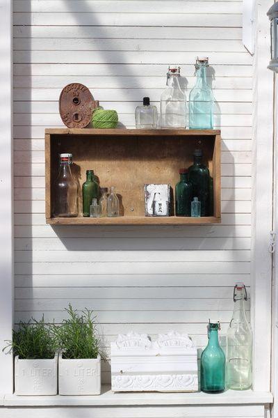 kasvihuone,välimeren tyyli,vaalea,koriste-esineet,koristelu,vanhat pullot,piha,Tee itse - DIY,asetelma