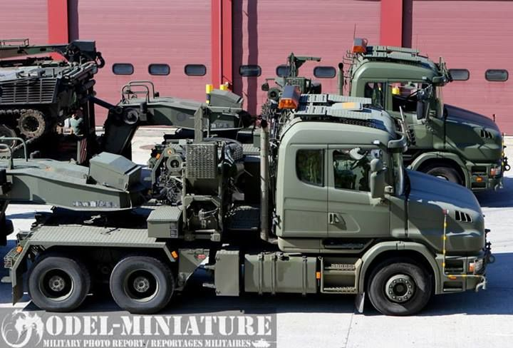 army Scania T144GB Tank transporter with JS-3, Bergpanzer and Cromwell 2