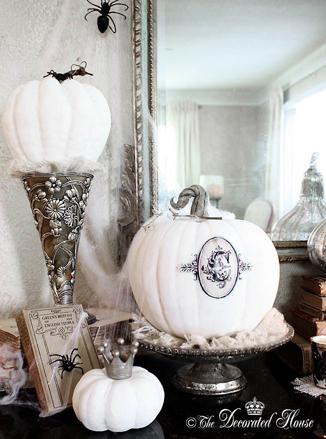 the decorated house annie sloan chalk paint pumpkins black and white decorating halloween