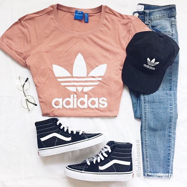 Light blue t shirt, jeans, adidas hat and white shoes Ho