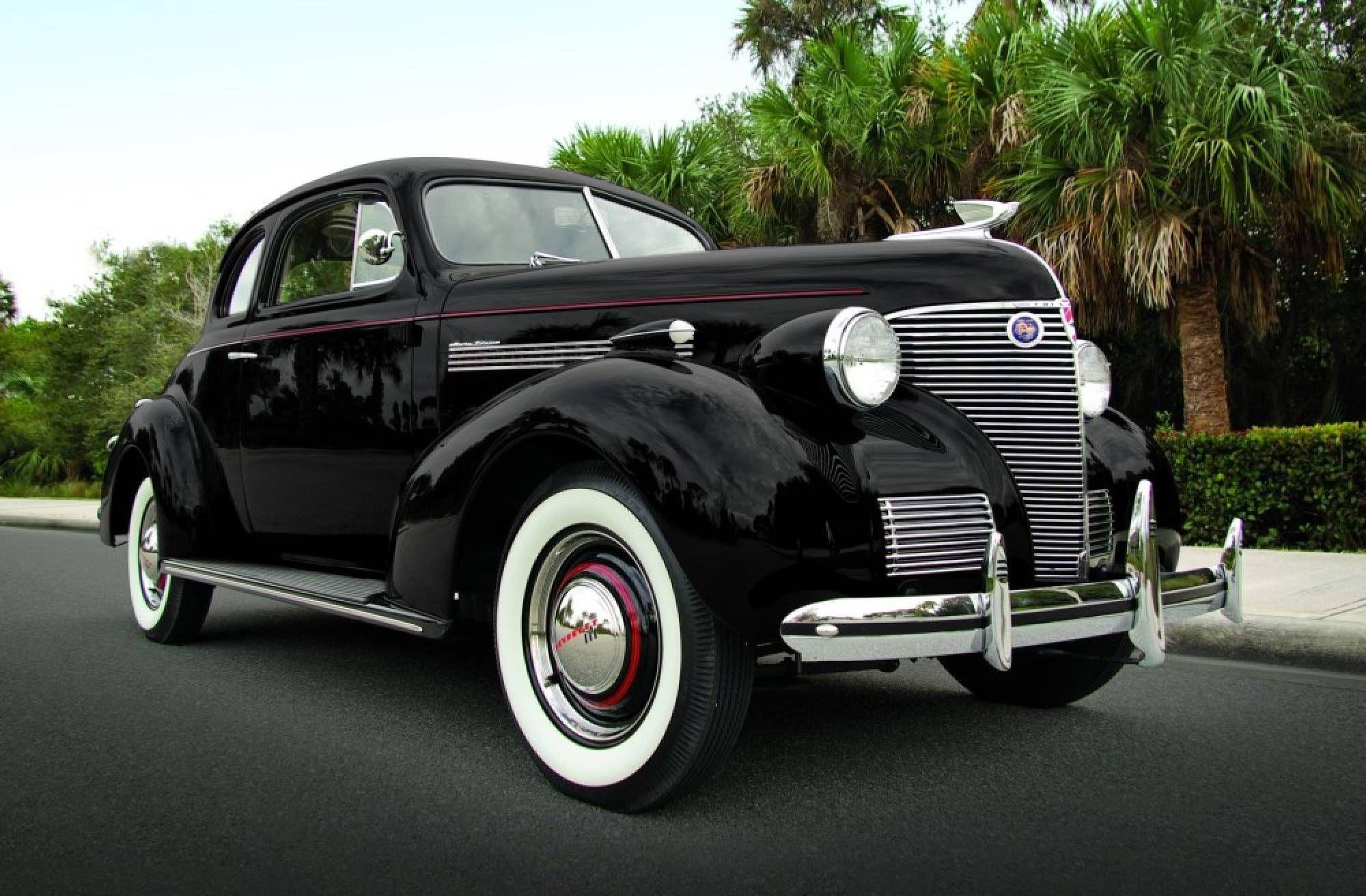 1939 Chevrolet Master De Luxe 2dr sedan