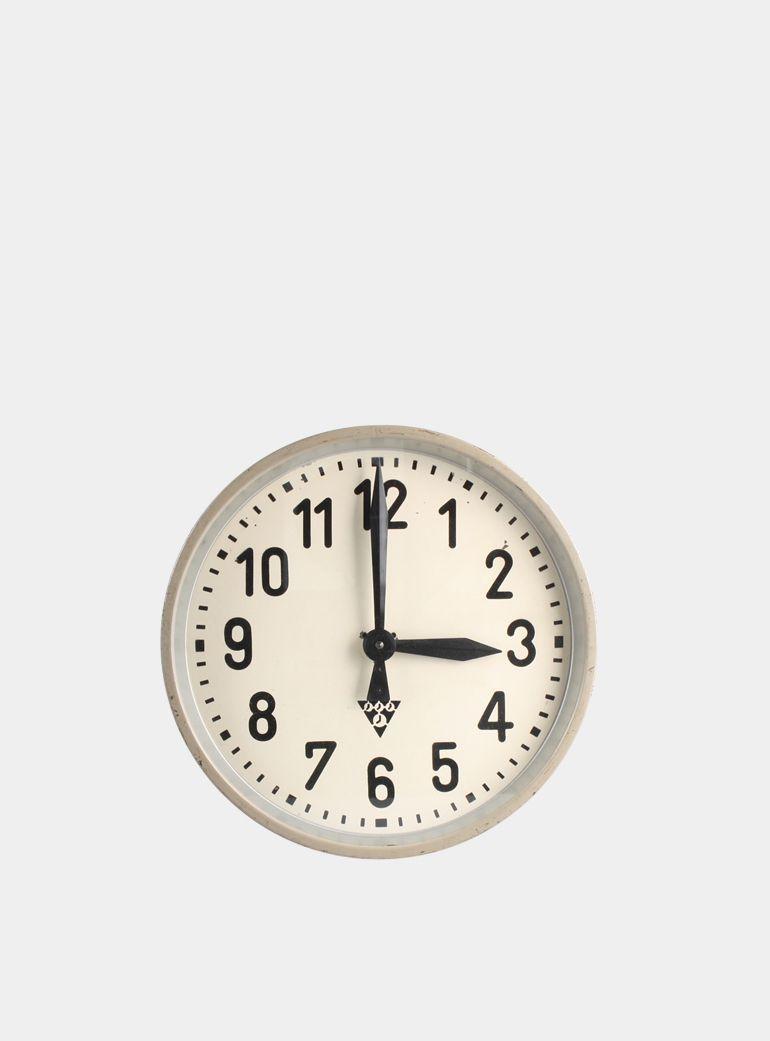 Pragotron 1950s Clock in 2019 | Industrial bedroom ...
