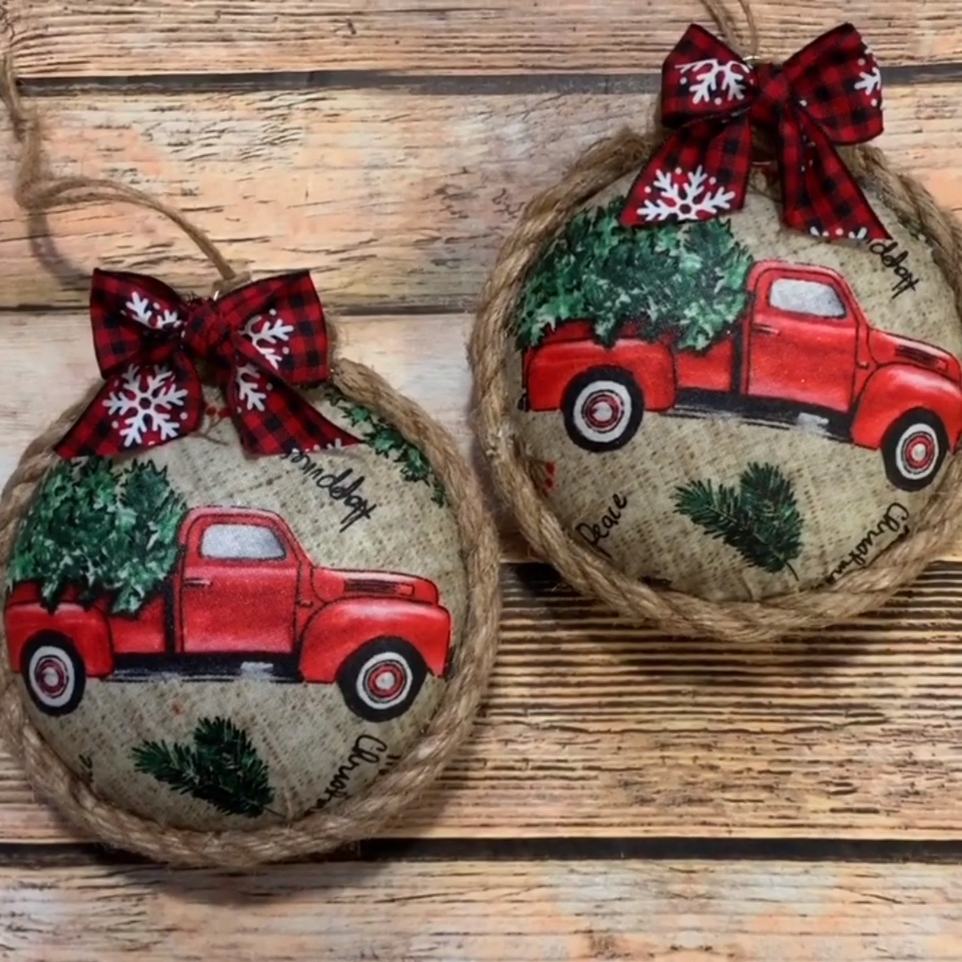 Decoupaged Fabric Christmas Ornaments  #christmas #decoupaged #fabric #ornaments