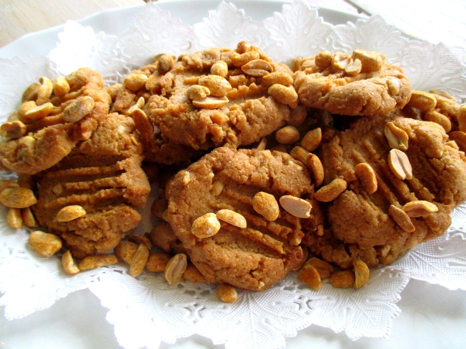 kolmen raaka-aineen maapähkinävoikeksit / Tinskun keittiössä ja Tyynen kaa